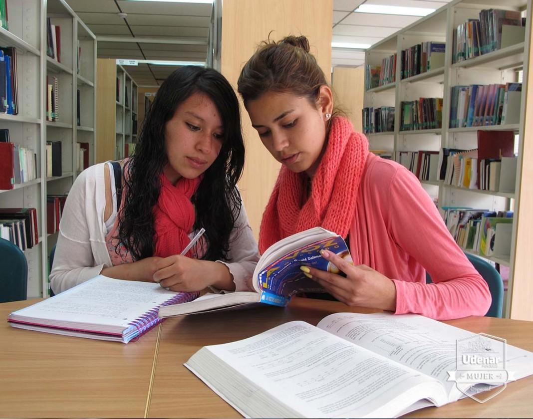 estudiante-edicion-mujer-3-udenar-periodico