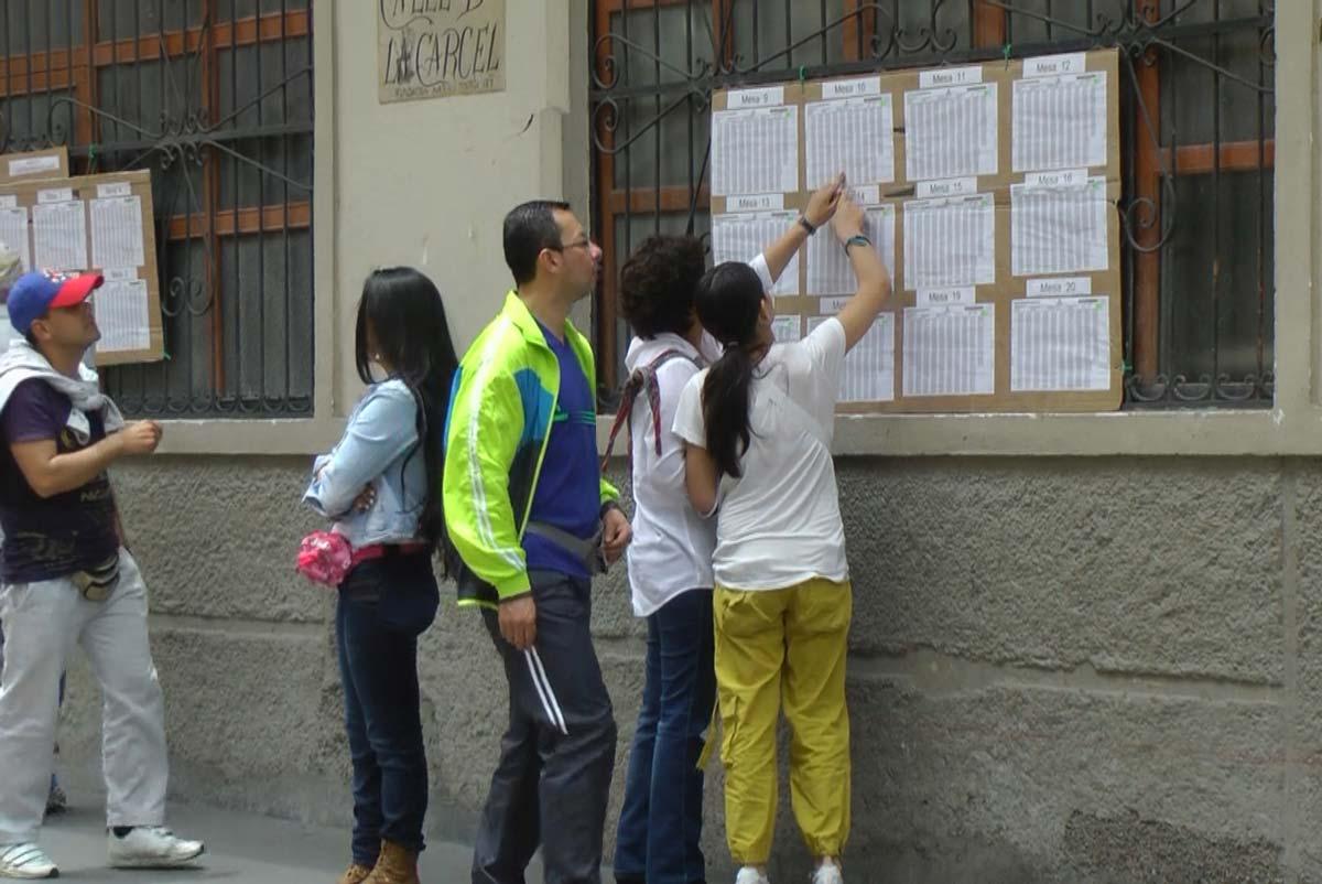 http://periodico.udenar.edu.co/wp-content/uploads/2017/01/procesos-democraticos-en-colombia-1-udenar-periodico-1.jpg