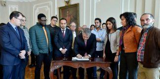https://periodico.udenar.edu.co/wp-content/uploads/2018/12/acuerdo-entre-estudiantes-y-gobierno-nacional-1.jpg